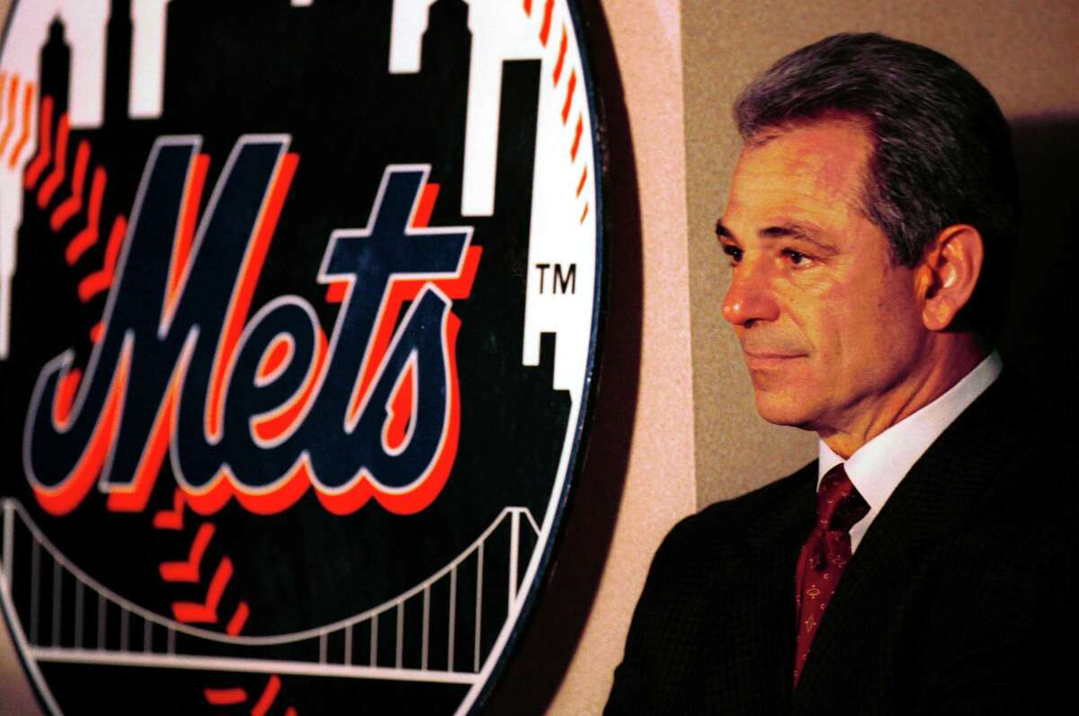 New York Mets Manager Bobby Valentine during a news conference in 2000 announcing his new contract.