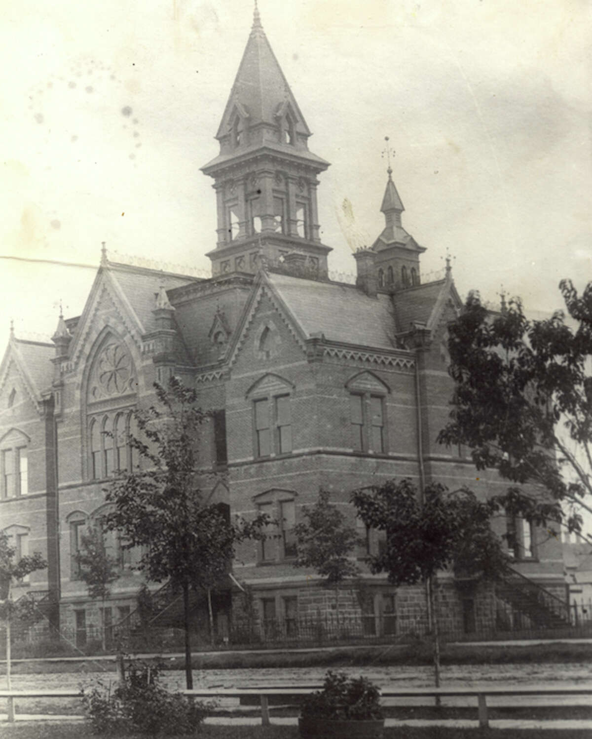 This photo shows a view of the old Manistee County Courthouse circa 1900.