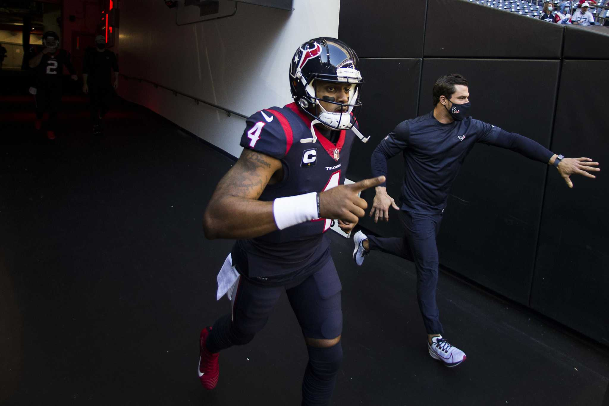 McClain: As Texans stay patient, a look at trade options for Deshaun Watson