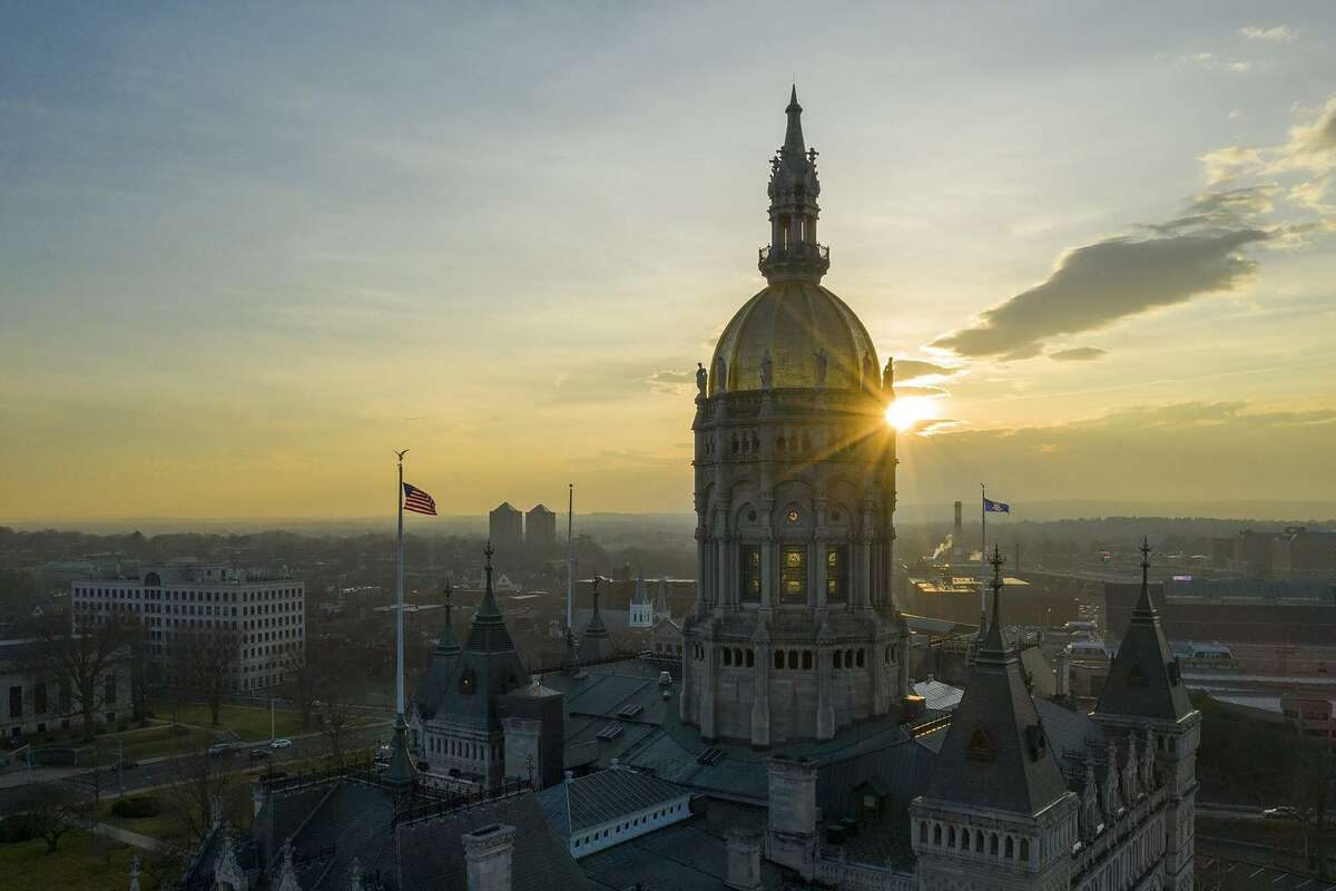 The state Capitol building in Hartford, Connecticut. (Mark Mirko/Hartford Courant/TNS)