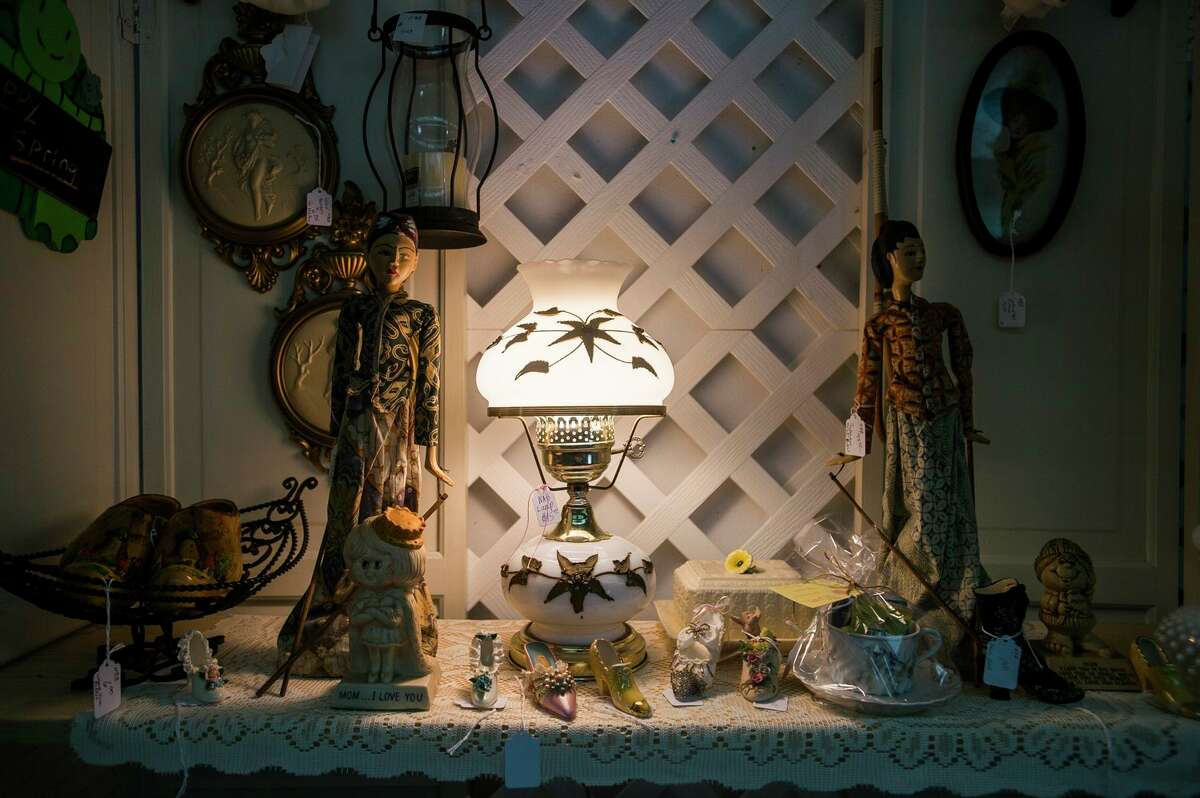 An Antique Boutique is located at 152 E. Saginaw Road in Sanford. (Katy Kildee/kkildee@mdn.net)