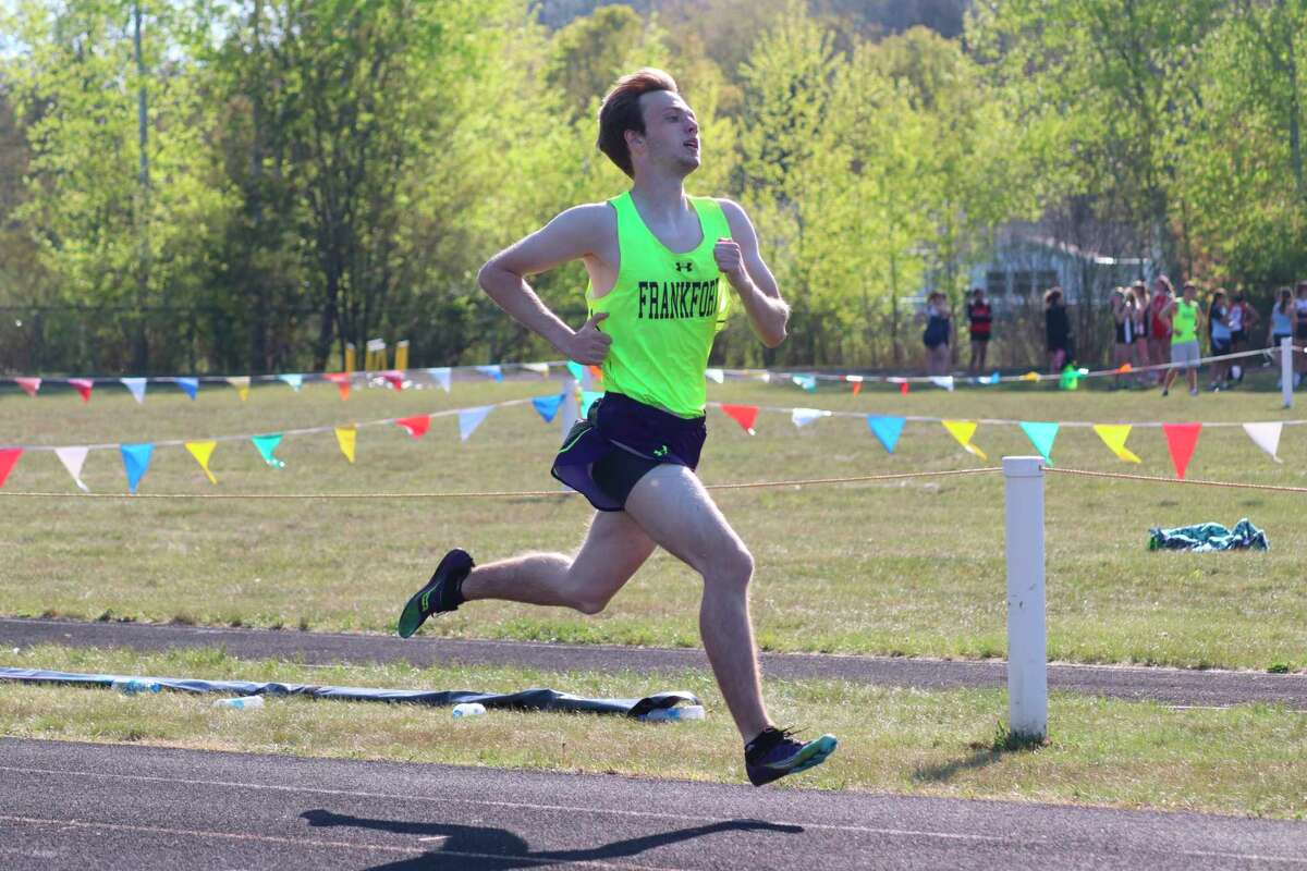 Owen Roth races the 800 meters for Frankfort on May 17. (Robert Myers/Record Patriot)