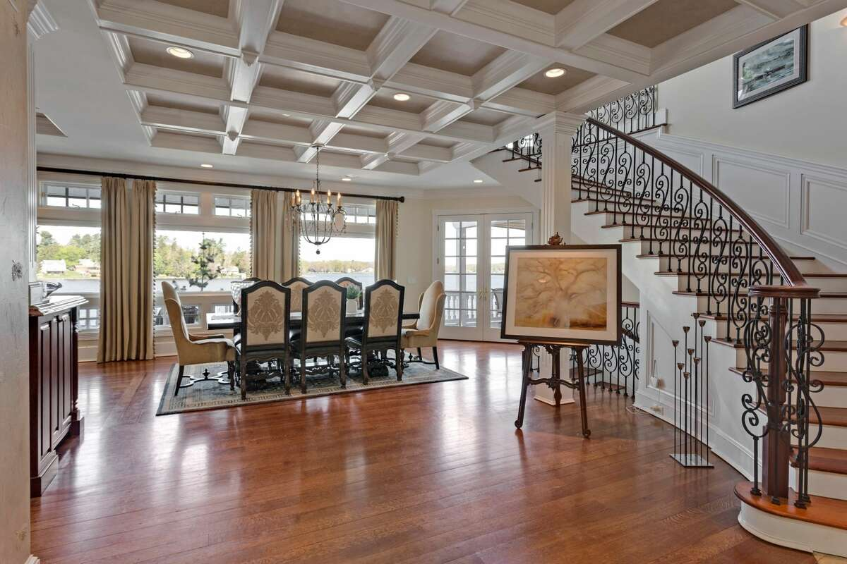 The entry and dining area of the home at 10 Evans Passway in Morris, Conn.
