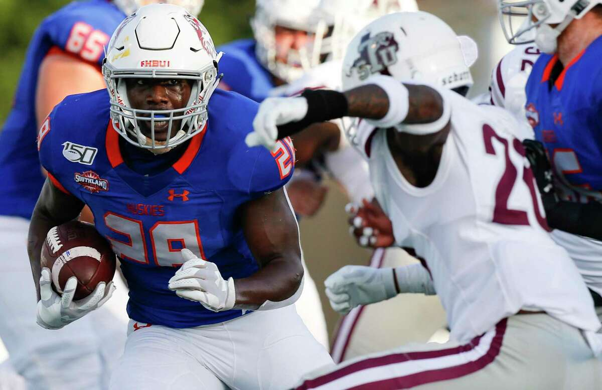 Dreshawn Minnieweather, running against TSU in 2019, is being counted on as one of the key parts for HBU's offense in 2021.