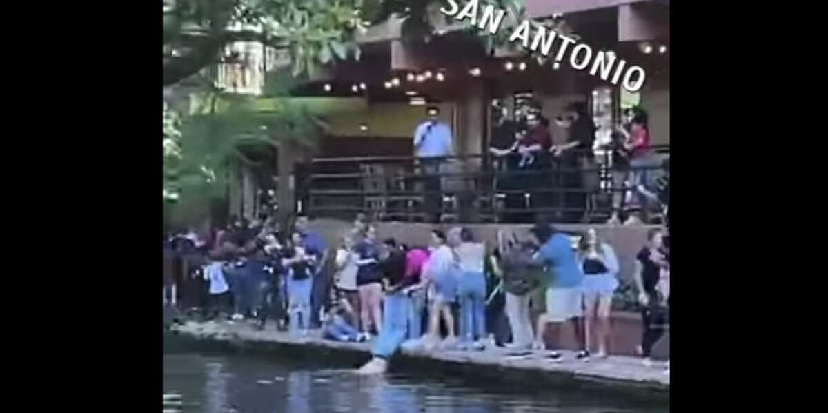 Local resident Alexandro Mendoza took a screen recording of the exciting video and shared it for all of San Antonio to appreciate.