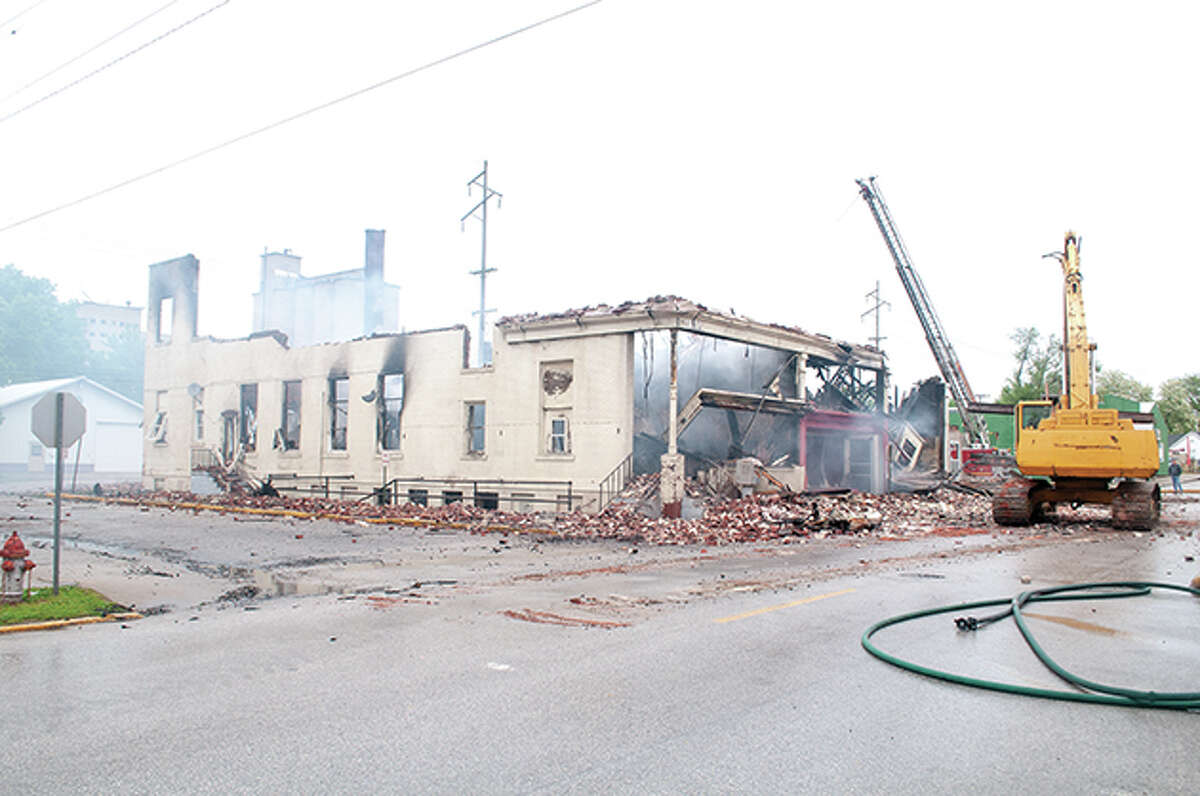 A fire that completely destroyed the building at 601 E. Fourth St. in Beardstown has left 13 people homeless. Beardstown residents have been helping raise money and find accommodations for those affected.