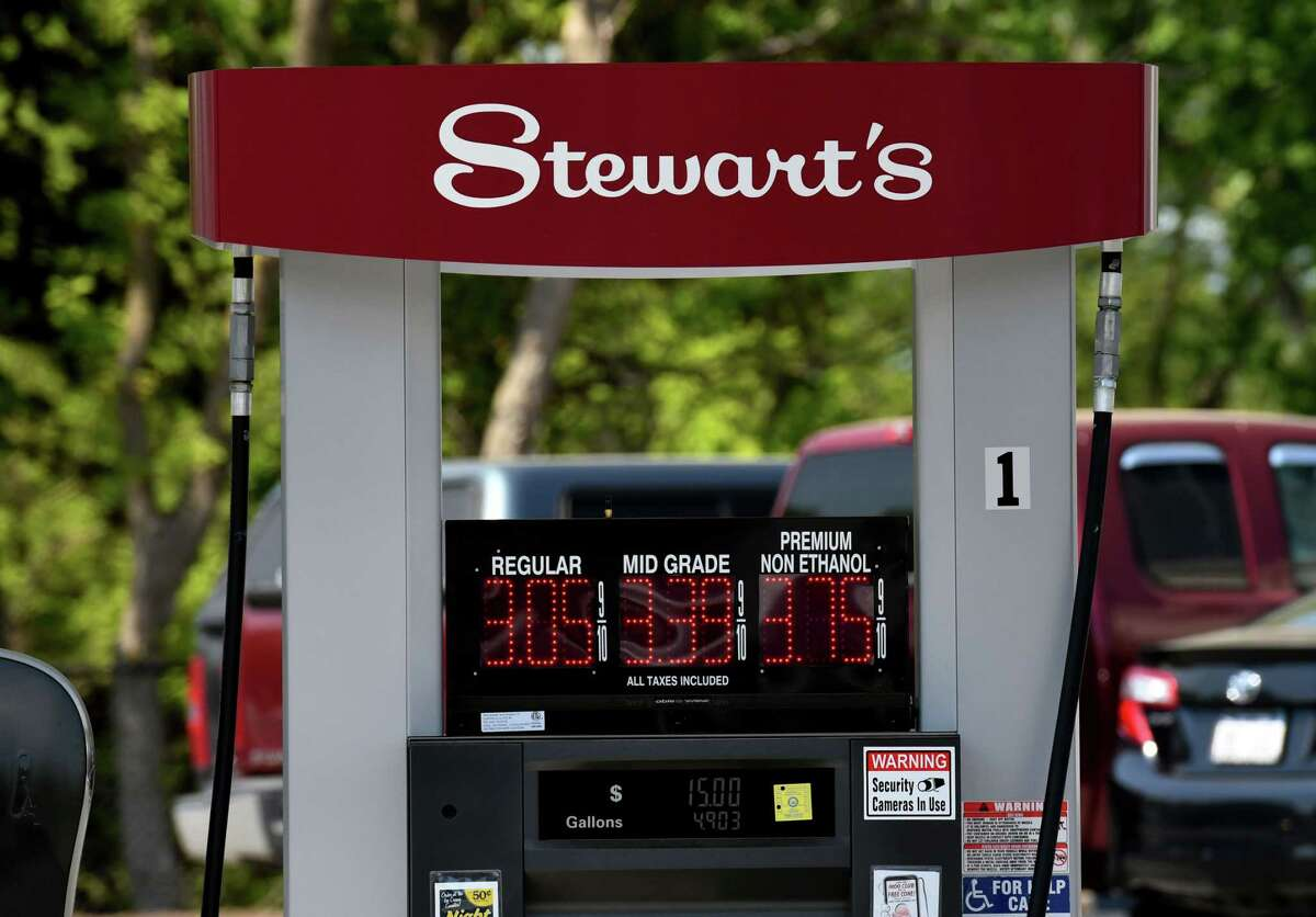 Stewart's Shops expanding in central New York with purchase of Blueox Corp.'s convenience stores.