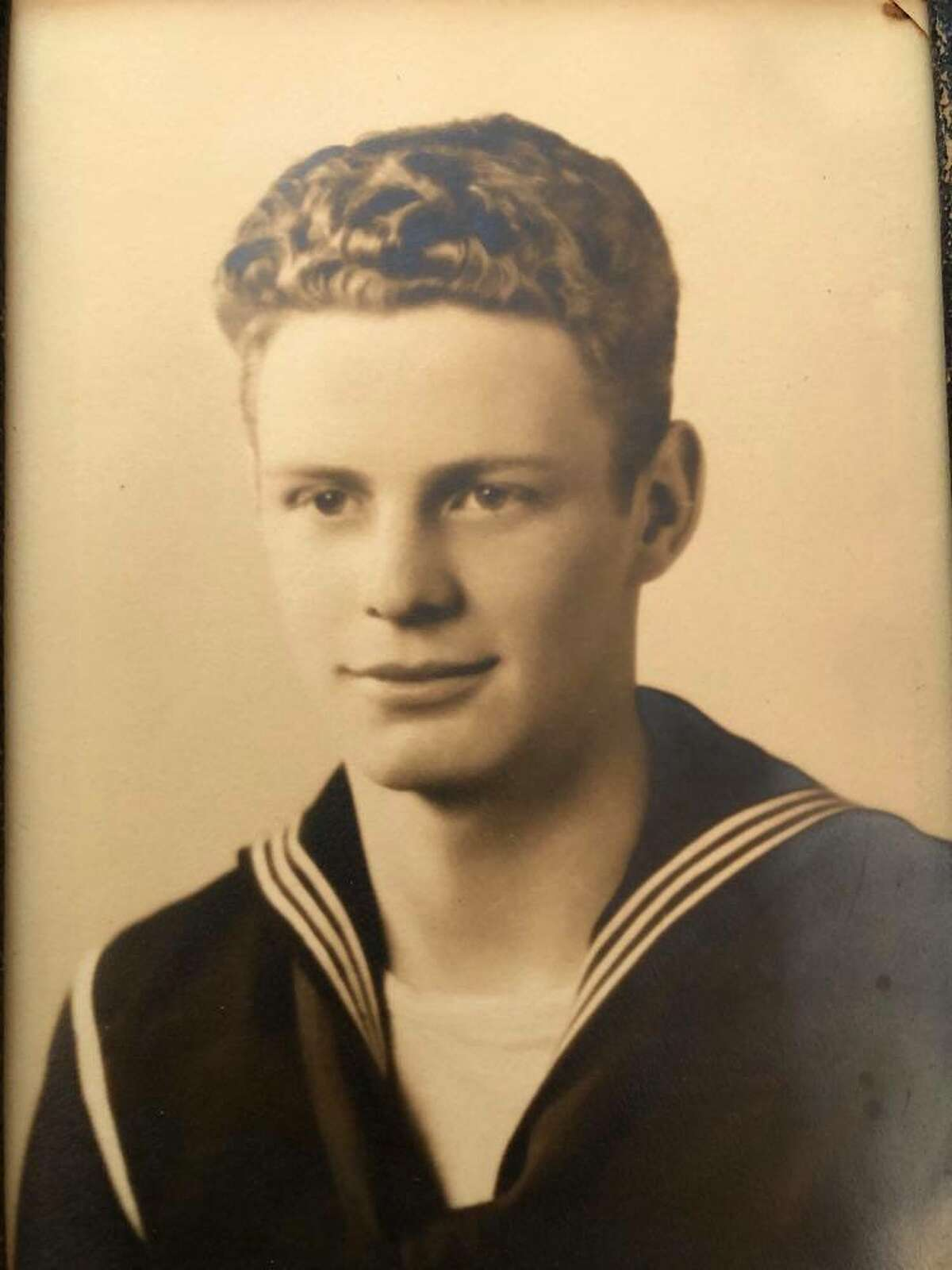 Cliff Miles served in the U.S. Navy as an aviation cadet from 1943 to 1946.