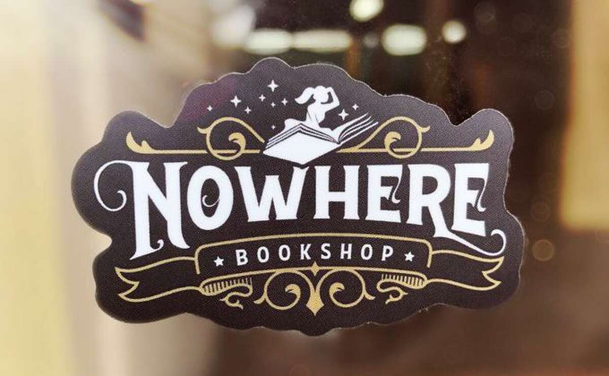 Author and blogger Jenny Lawson is planning to open a bookstore and bar in San Antonio.