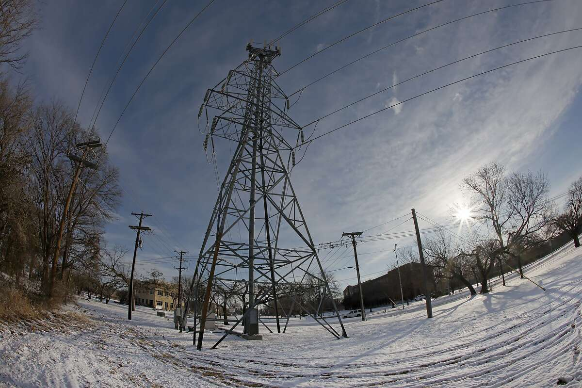 Four months after the failure of the electric grid sparked a backlash against clean power, investors and developers have decided just what the state needs.
