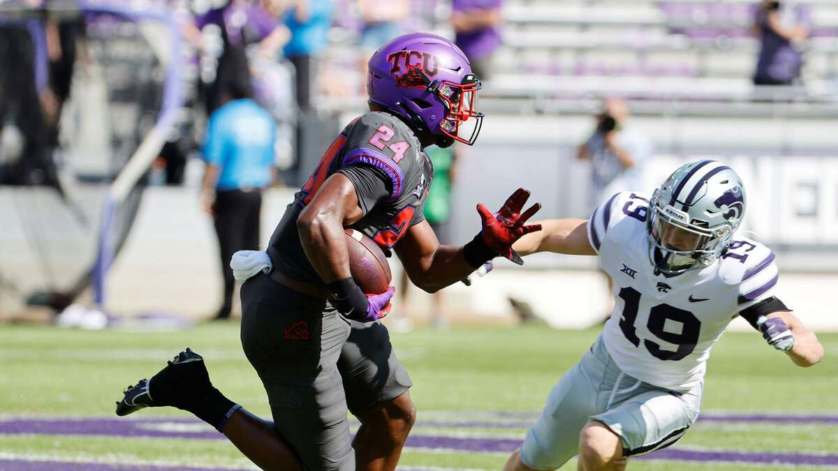 Former Newton running back Darwin Barlow announced on Thursday his intentions to transfer from TCU.