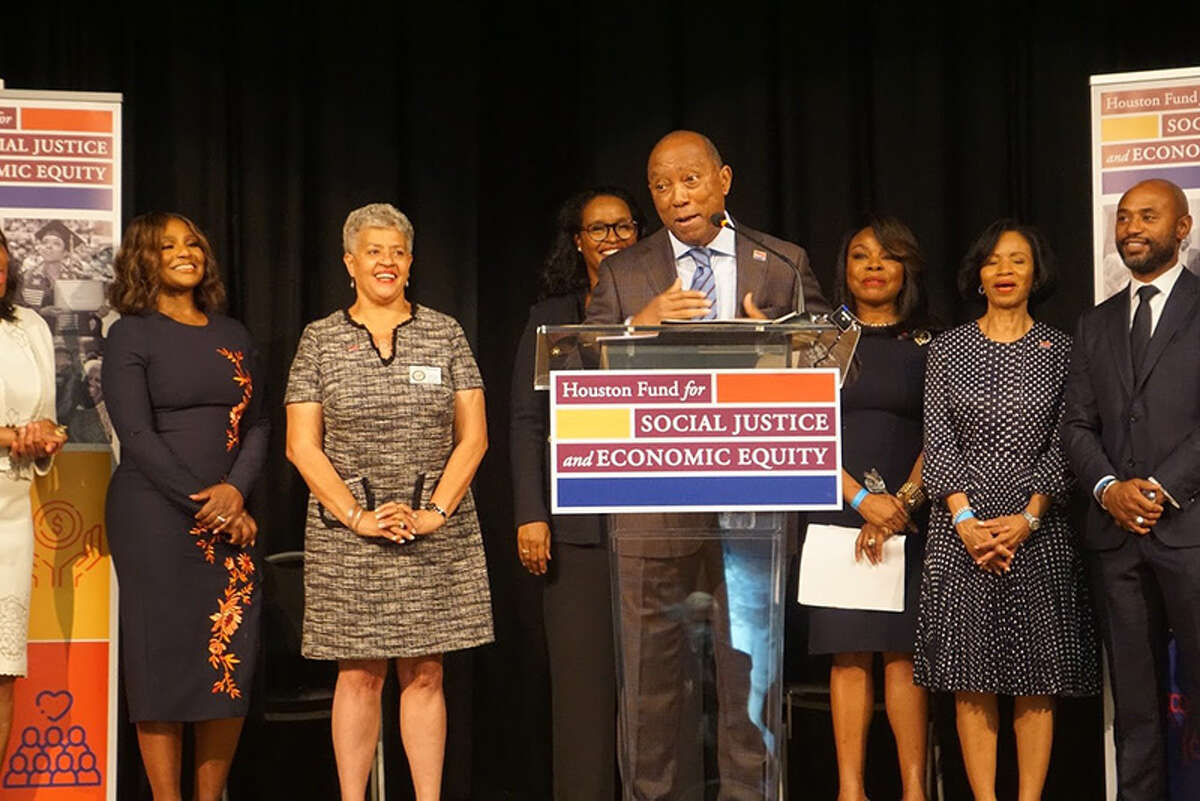 Mayor Turner stands alongside Black business leaders in Houston to launch the Houston Fund for Social Justice and Economic Equity.