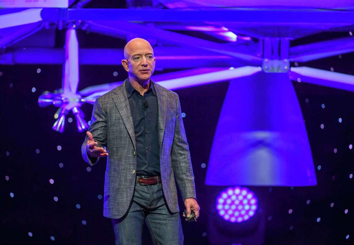 Jeff Bezos introduces Blue Origin's Blue Moon lander in D.C. in May 2019.