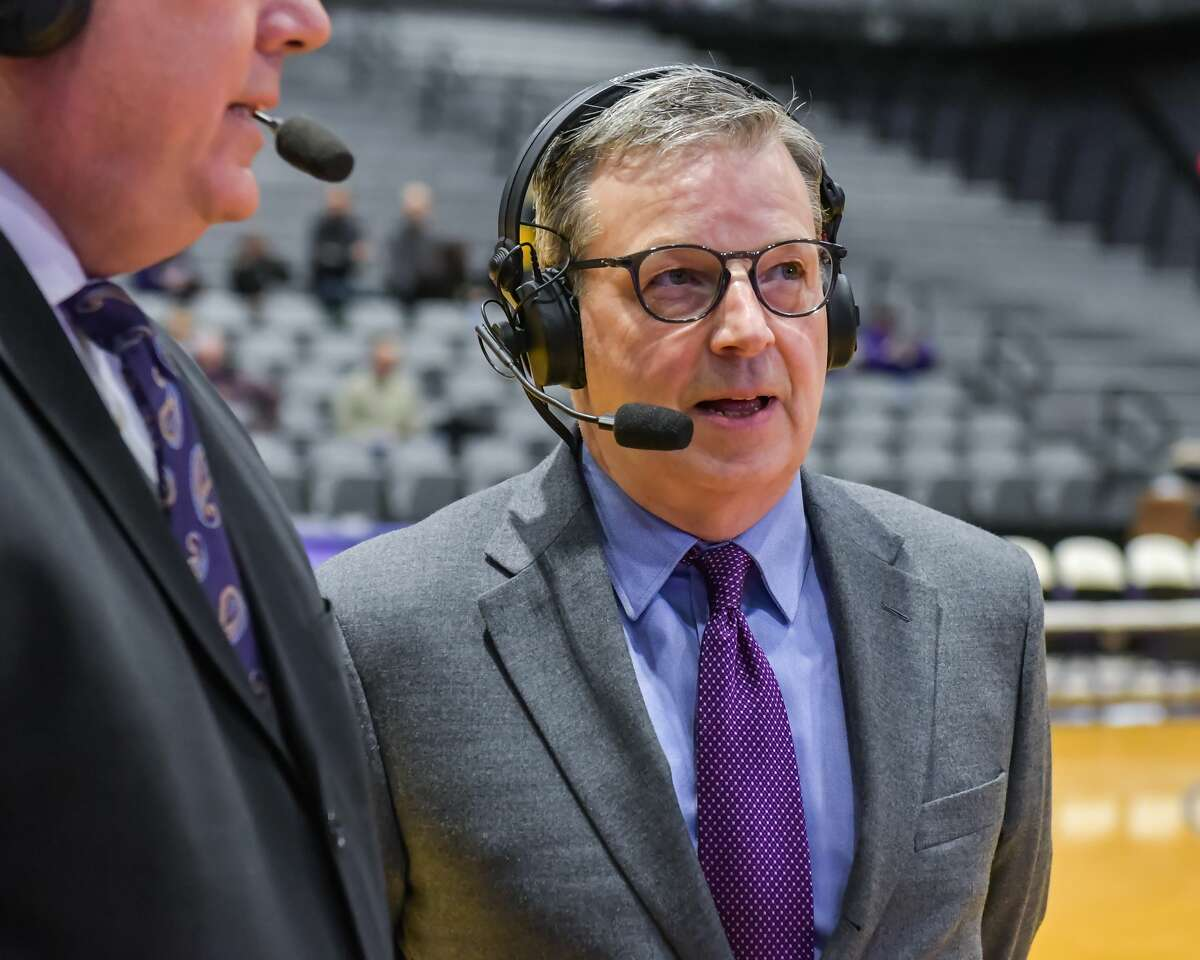 Charlie Voelker (right) is joining 104.5 The Team as an afternoon co-host. Previously, he served as the UAlbany associate athletic director of external affairs.