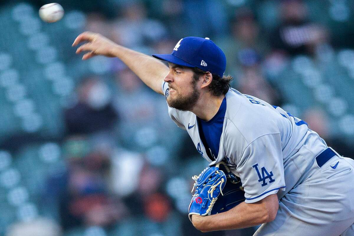 Los Angeles Dodgers starting pitcher Trevor Bauer (27) against the San Francisco Giants in the first inning during an MLB game at Oracle Park, Friday, May 21, 2021, in San Francisco, Calif.