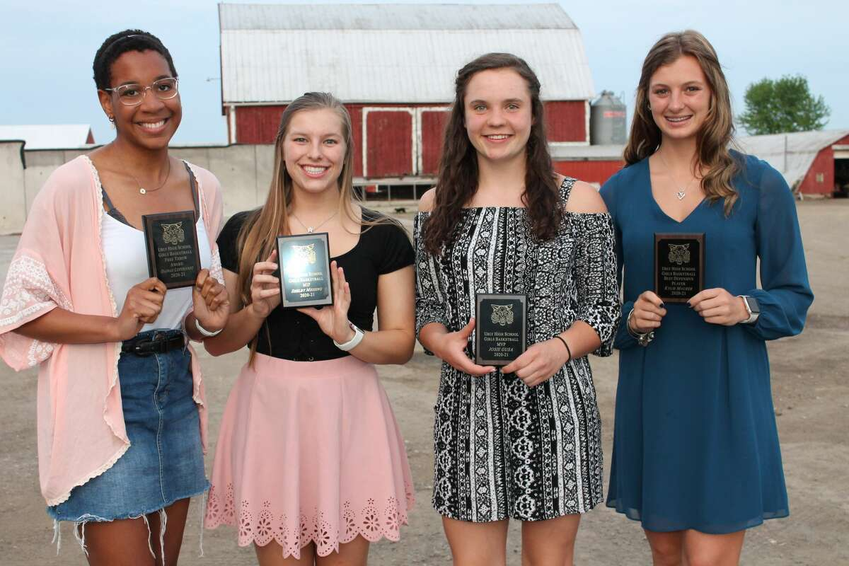 The 2021 Ubly girls basketball team awarded individual honors recently. Dajnae Leipprandt was the winner of the Free Throw Award, Shelby Messing was named Most Improved Player, Josie Gusa was named Most Valuable Player and Kurt Bensinger Award winner and Kylie Maurer was named Best Defensive Player.