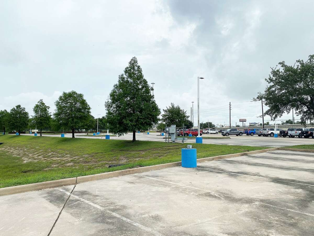 A lot at Joe Myers Ford that normally holds 600 vehicles barely had 50 in it on Friday afternoon. Management said they only have 100 new cars on the entire lot.