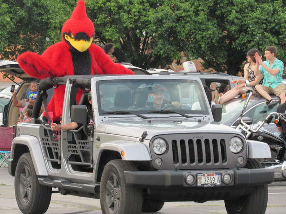 For the second year, an Alton High School graduate parade was held on the riverfront. About 400 graduates will be honored in two ceremonies May 29 and May 29; both events are planned at Alton Public School Stadium.