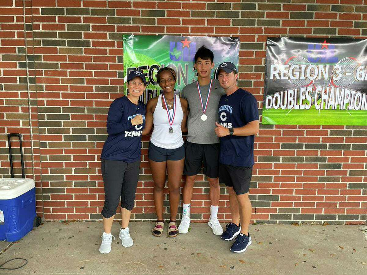 The Clements mixed doubles team of Sydnie Durham and Gabriel Shu qualified for the Class 6A state tournament with a runner-up finish at the Region III-6A tournament.