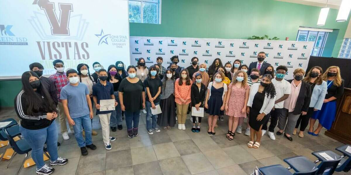 Thirty-four 8th grade students from across Klein ISD were inducted into the Vistas Early College High School as part of Cohort 2025.