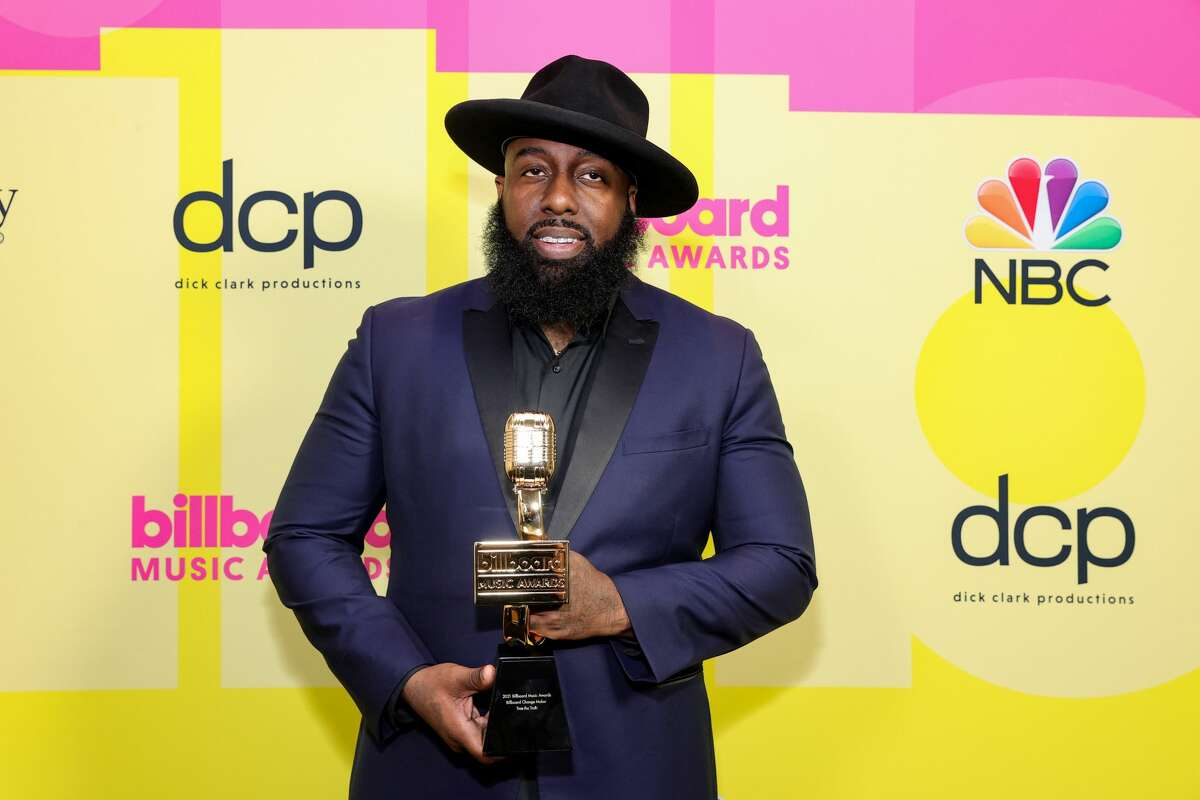 LOS ANGELES, CALIFORNIA - MAY 23: Trae tha Truth, winner of the Billboard Change Maker Award, poses backstage for the 2021 Billboard Music Awards, broadcast on May 23, 2021 at Microsoft Theater in Los Angeles, California. (Photo by Rich Fury/Getty Images for dcp)