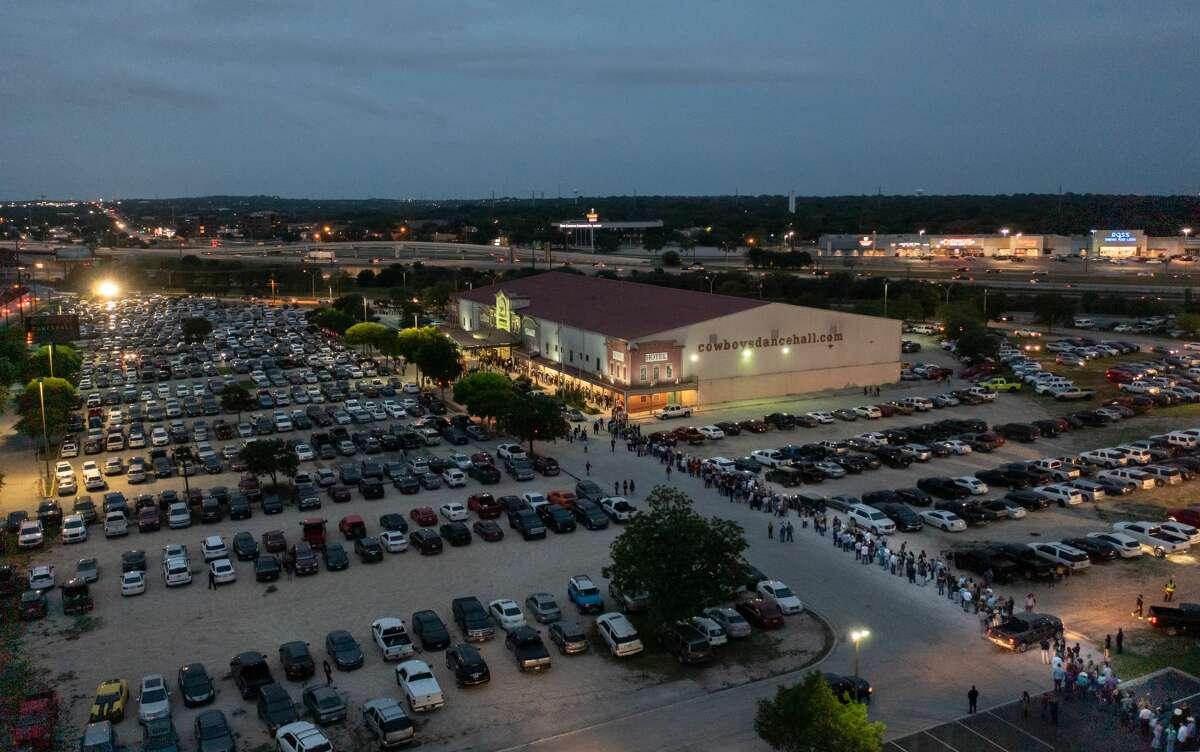 Local photographer Paul DiGiovanni, with DGDronePhoto.com, snapped several drone pictures of the crowd that night, showing a ridiculously long line in the venue's large parking lot.