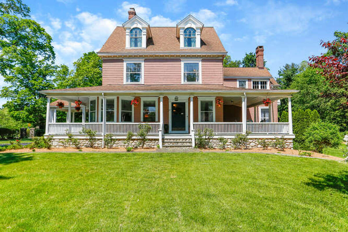 The house at 27 Chestnut Hill Road in Norwalk once belonged to investor and industrialist Edward Beach Gallaher. He later went on to build the Gallagher Mansion in Cranbury Park.