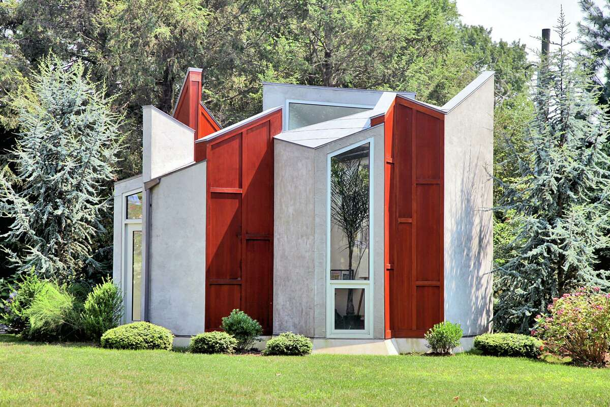 The job of an architect often hinges on pleasing others, and the one who lived at 2 Bluewater Hill South in Westport made her backyard workspace to suit her own whimsical specifications.The statement studio caught the eye of Architectural Digest, which compared the angular wood, steel and glass building to the Superman clan's icy cave on Krypton in a 2008 article. Listed for $5,750,000, this 5,700-square-foot home has six bedrooms and six full baths, along with a master suite with nine-foot ceilings and a view of Long Island Sound. Read more