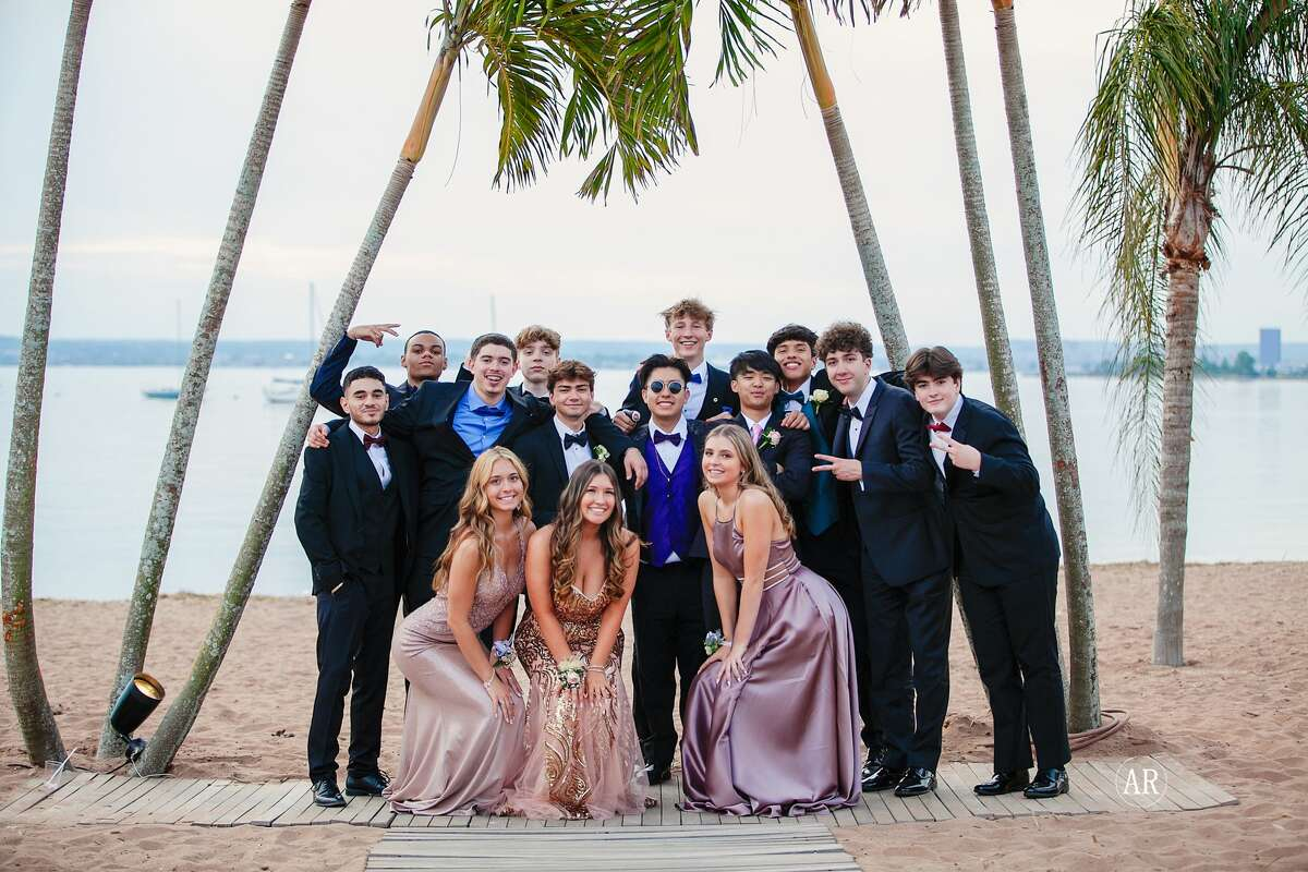 New Fairfield High School held its senior prom on May 22, 2021 at Anthony's Ocean View in New Haven. Were you SEEN?