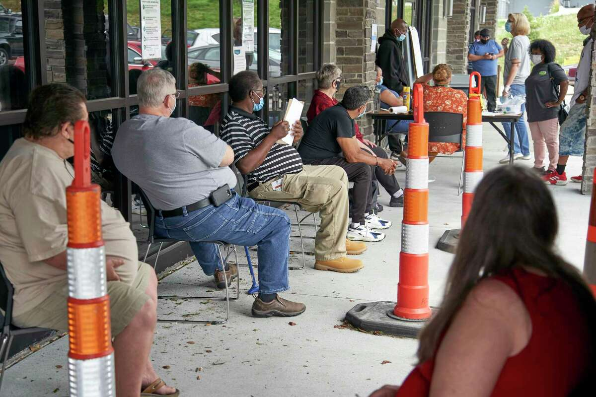 About 6,500 Texans signed a petition imploring the governor to reinstate federal unemployment benefits.