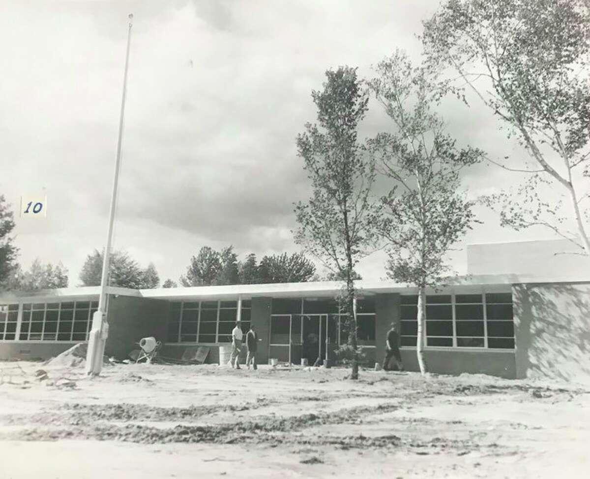 Pembangunan Sekolah Dasar Siebert. 1958