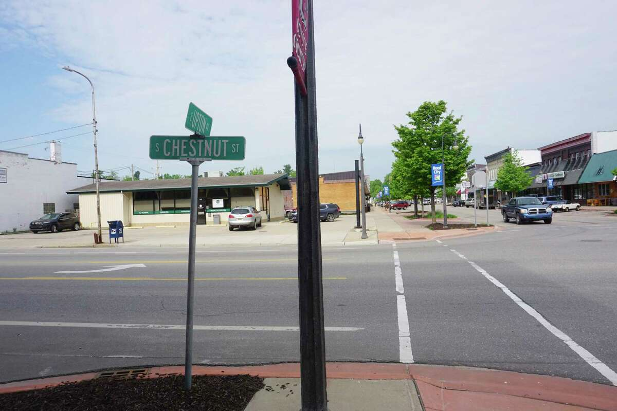 The Reed City city council is considering establishing a social district along the 100 block of W. Upton in downtown, possibly extending across Chestnut Street to the Depot area. (Pioneer photo/Joe Judd)
