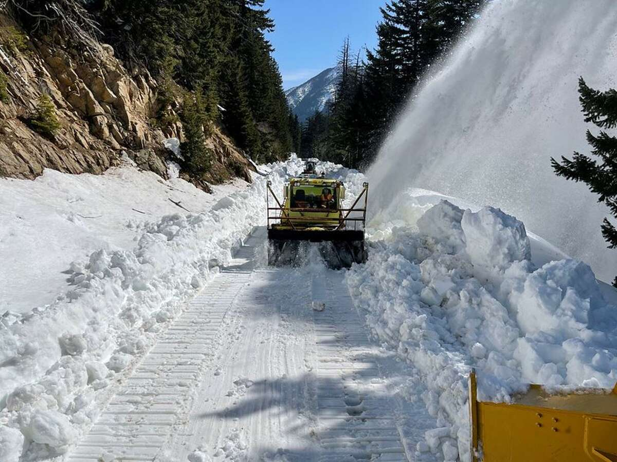Chinook and Cayuse passes to reopen this week