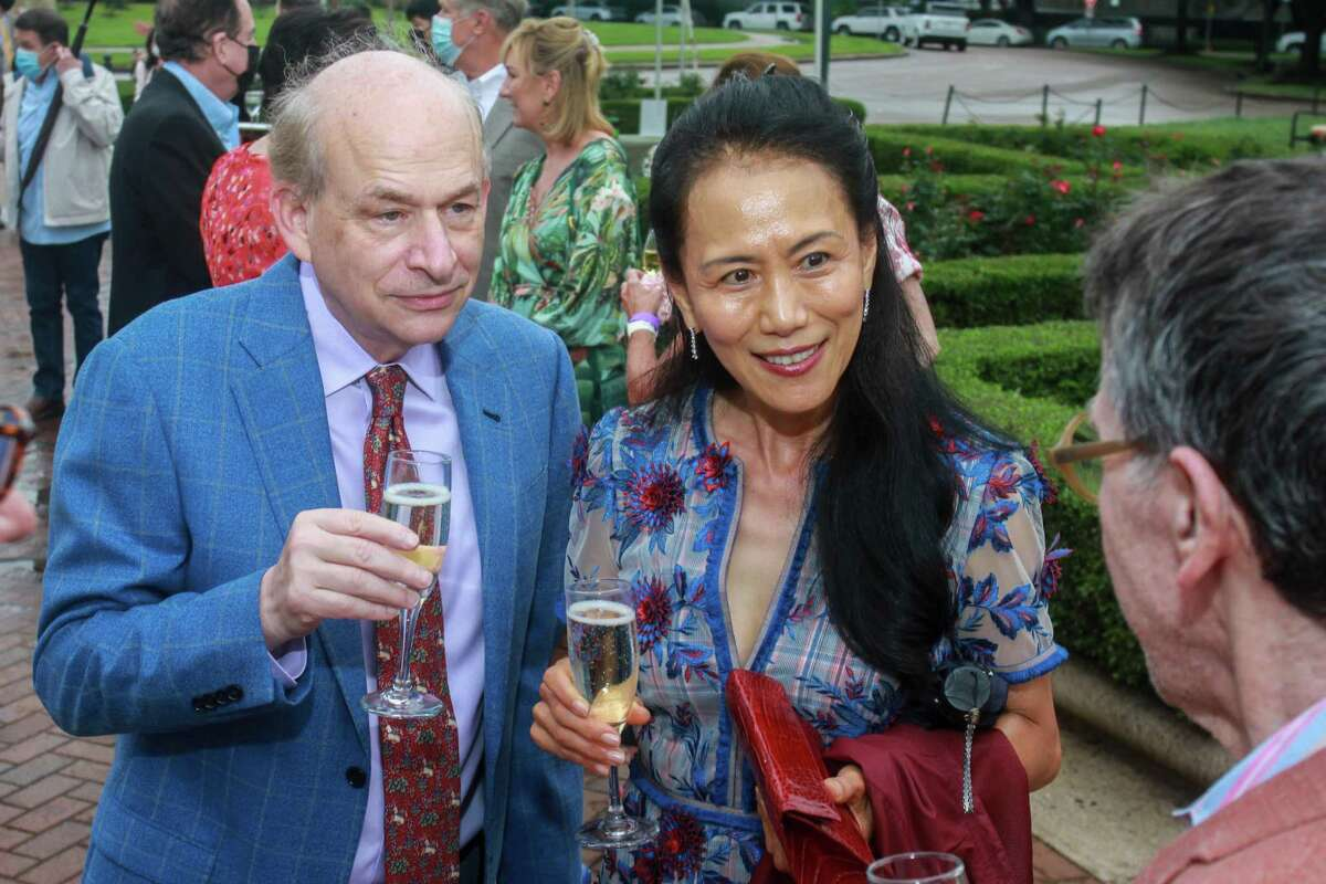 David Leebron and Y. Ping Sun at Evening in the Park, hosted by the Hermann Park Conservancy, in Houston on April 30, 2021.