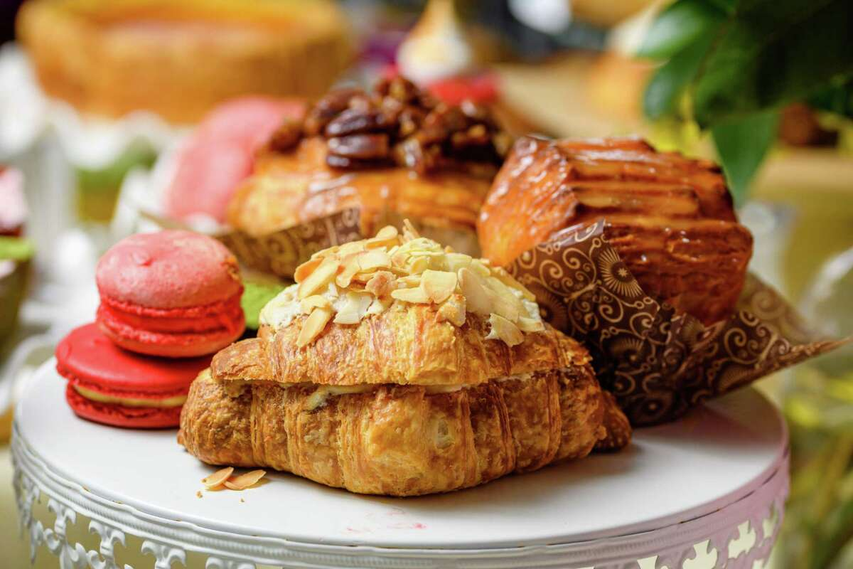 An almond croissant at BouNom