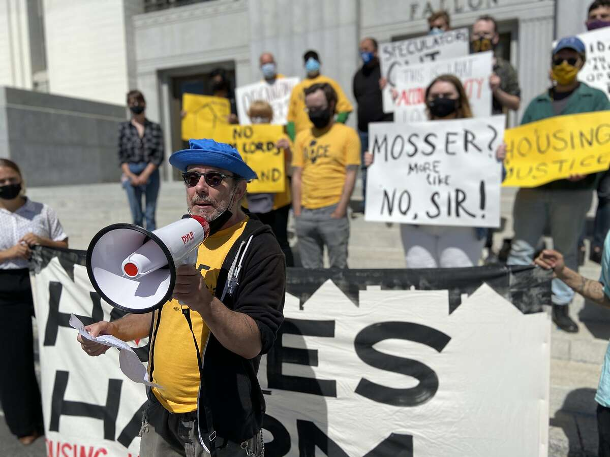 Oakland tenants announce a class-action lawsuit against Mosser Capital in S.F., alleging harassment.