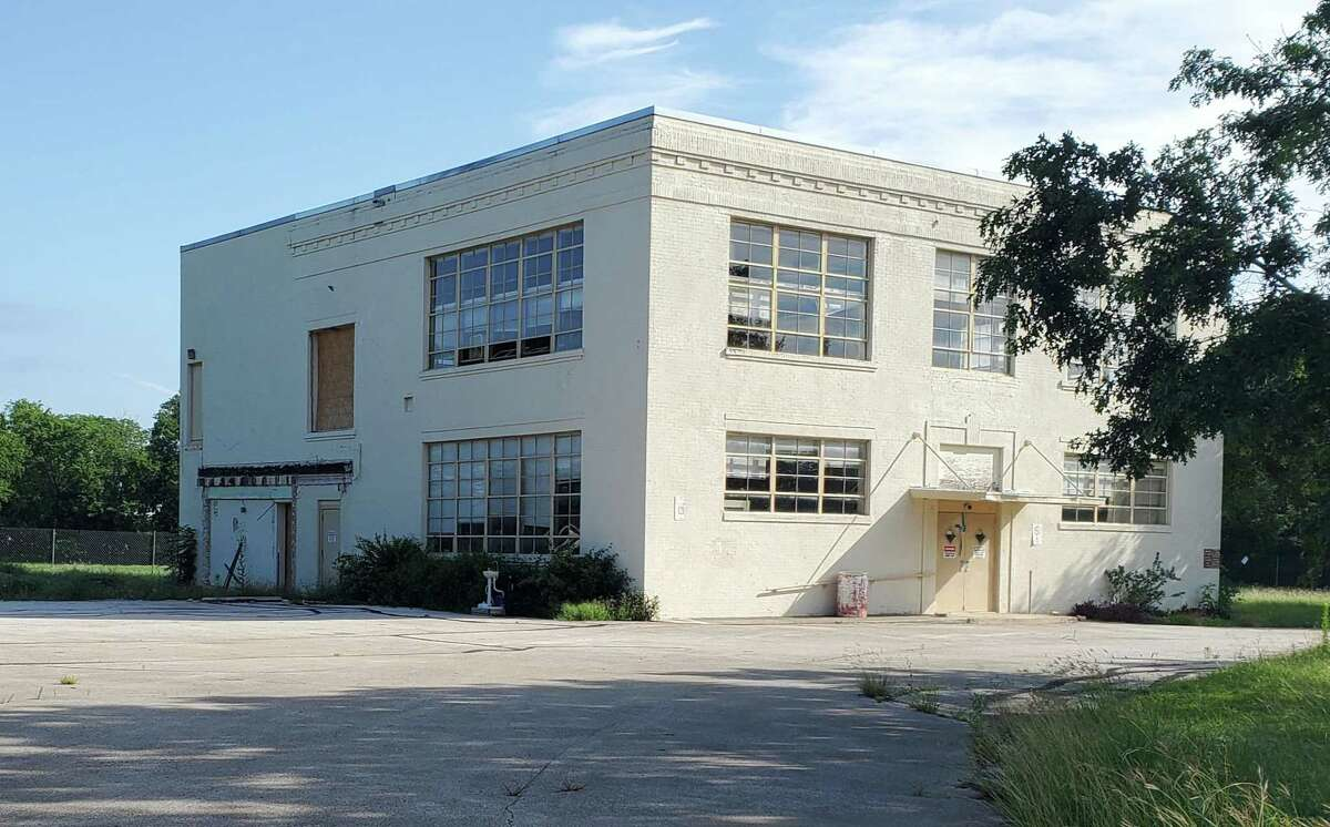 A 105-year-old building on West Loop 539, a former schoolhouse, will be converted into city of Cibolo administrative offices within the next year.