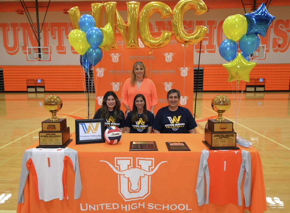 United senior Anakaren Chavez committed Wednesday to continue her volleyball career at Western Nebraska Community College.
