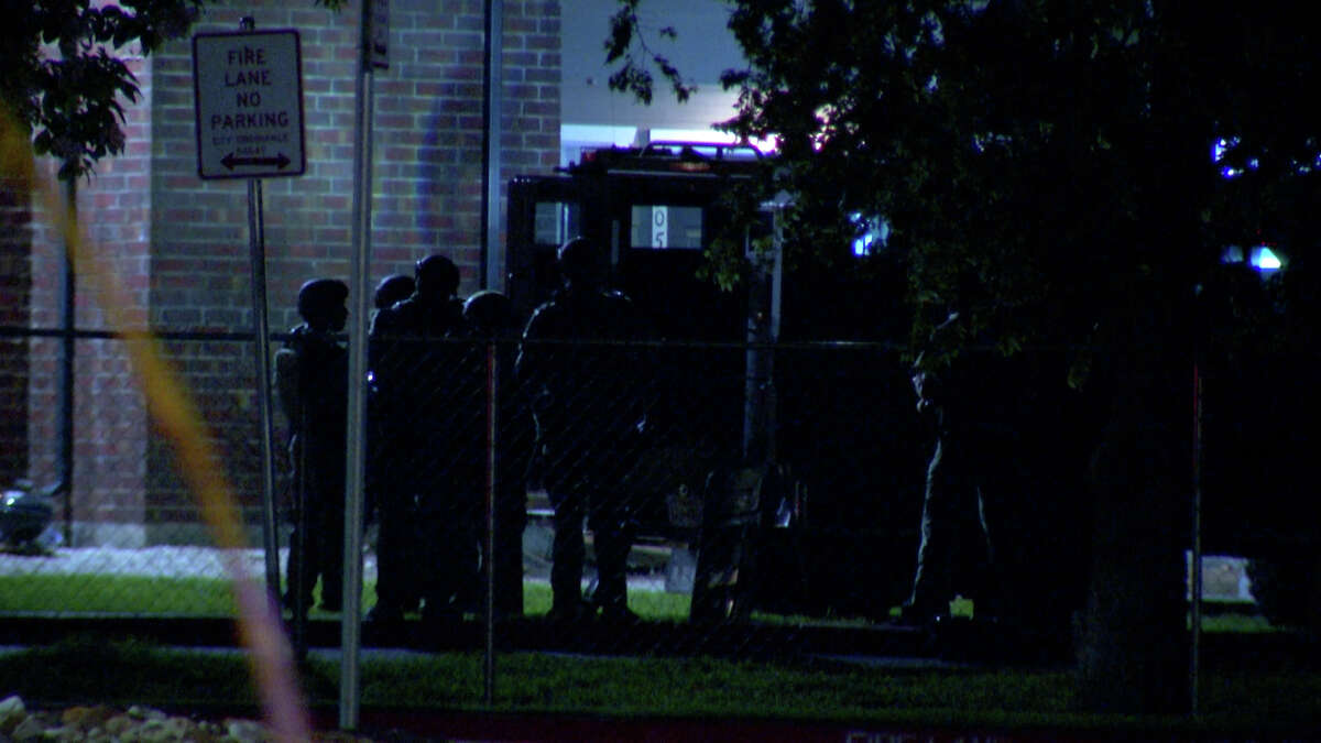 An hours-long standoff at a Southwest Side apartment complex ended peacefully Wednesday night.