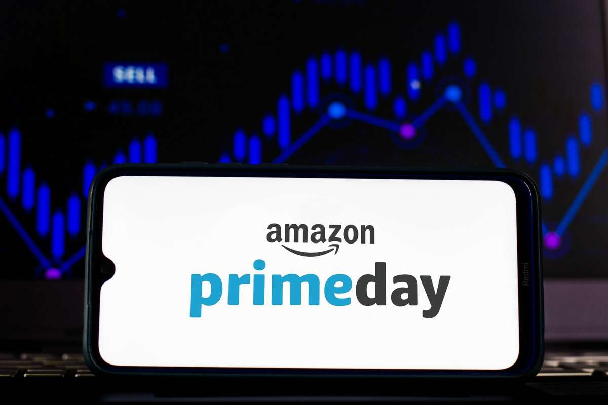 BRAZIL - 2021/02/12: In this photo illustration the Amazon Prime Day logo seen displayed on a smartphone screen. (Photo Illustration by Rafael Henrique/SOPA Images/LightRocket via Getty Images)