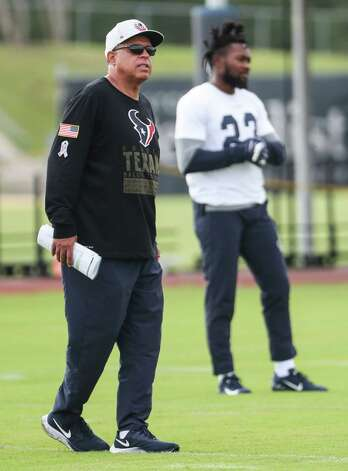 Houston Texans head coach David Culley watches practice during team OTAs on Thursday, May 27, 2021, at The Houston Methodist Training Center in Houston. Photo: Brett Coomer, Staff Photographer / © 2021 Houston Chronicle