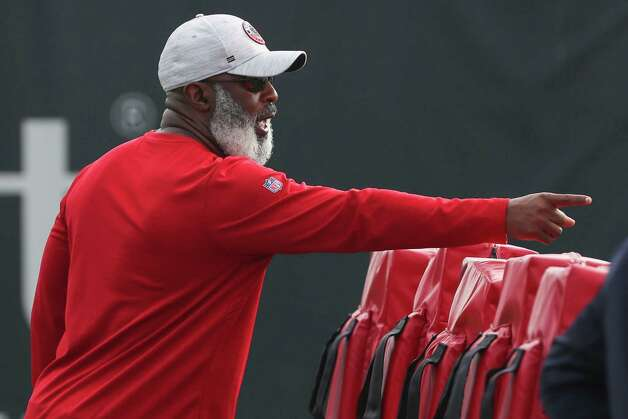 Houston Texans defensive coordinator Lovie Smith works with the defense during team OTAs on Thursday, May 27, 2021, at The Houston Methodist Training Center in Houston. Photo: Brett Coomer, Staff Photographer / © 2021 Houston Chronicle