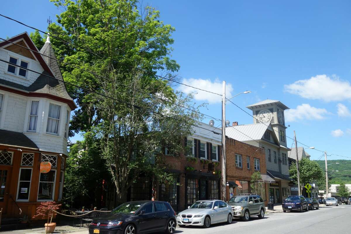 Millerton's Main Street is filled with antiques, art galleries, boutiques and coffee and tea shops, perfect for an afternoon of exploring.