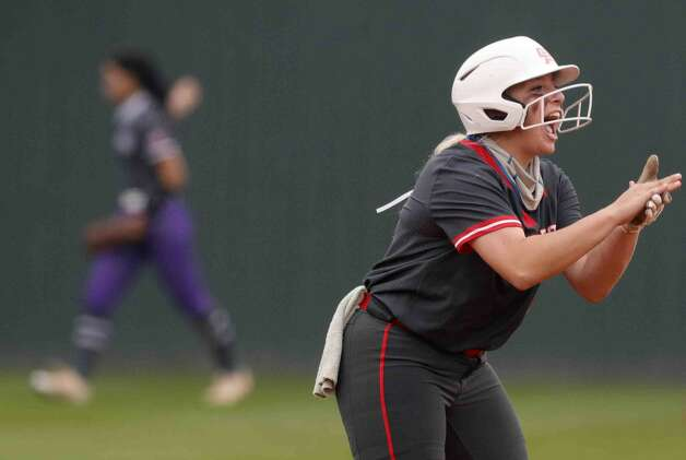 Oak Ridge'€™s Morgan Dutton reacts after trying the game 8-8 with a 2-RBI double during the sixth inning of a District 13-6A high school softball game at Willis High School, Friday, April 16, 2021, in Willis. Photo: Jason Fochtman/Staff Photographer / 2021 © Houston Chronicle