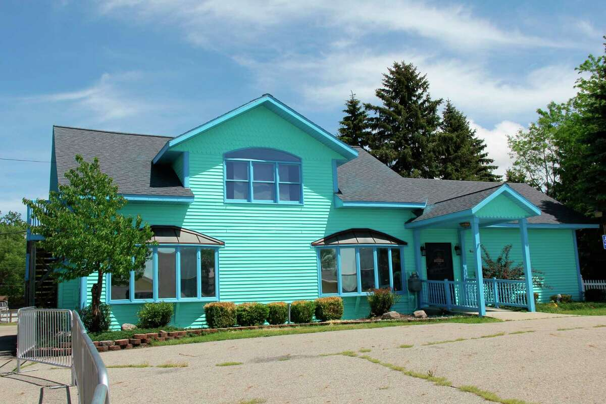 The exterior of the new Beachy's restaurant in Caseville planned to open in June. Therestaurant has the same owners as Lefty's Drive-In. (Robert Creenan/Huron Daily Tribune)