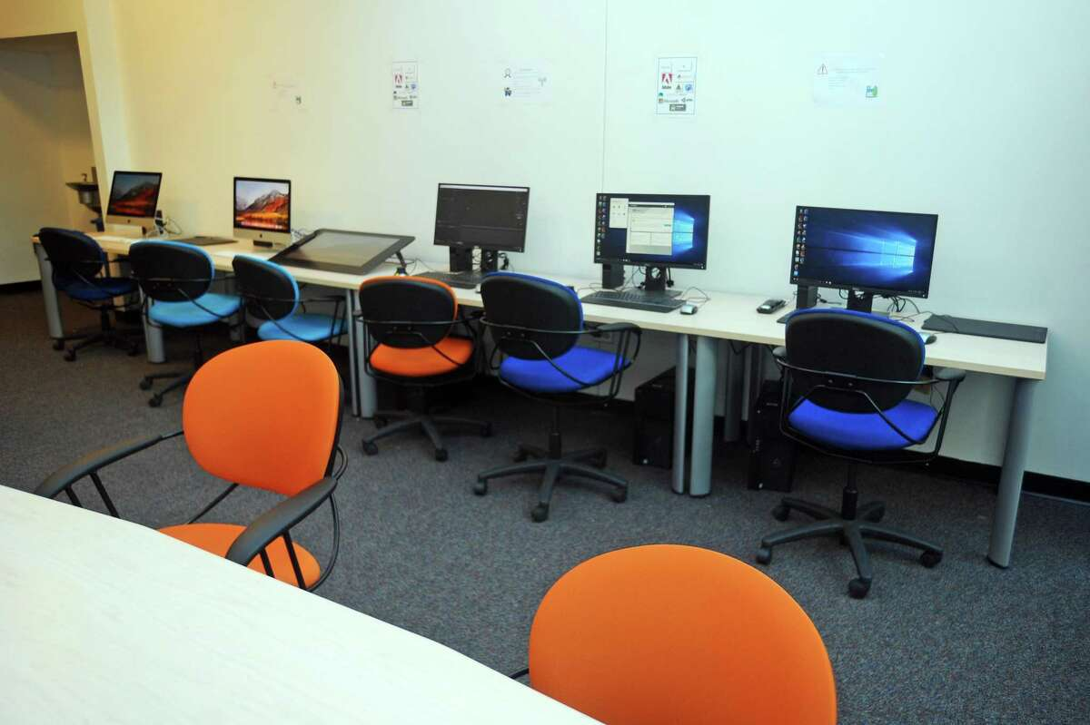 A technology space/computer lab at UConn Stamford.