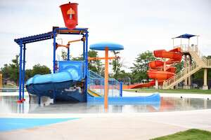 A snag in construction has forced the opening of the Plainview Aquatic Center to be pushed to mid-to-late July.