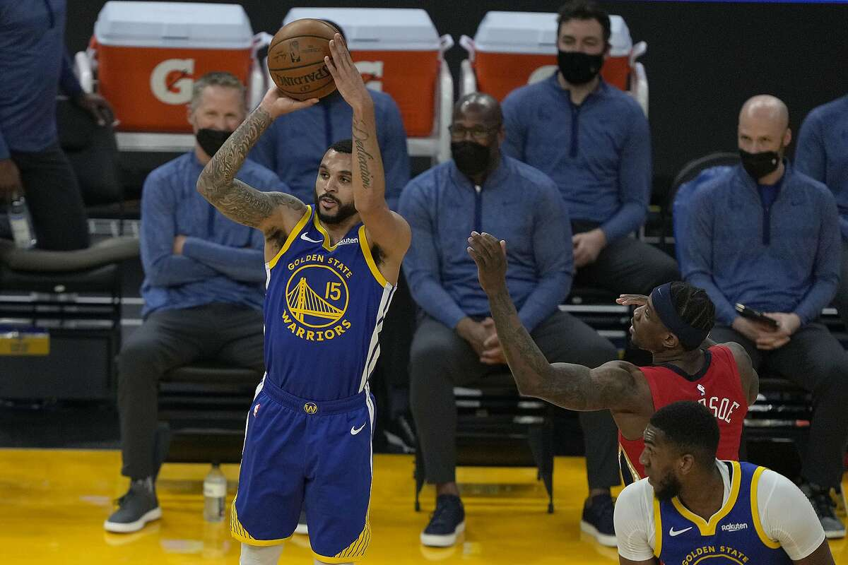 Golden State Warriors guard Mychal Mulder (15) takes a three-point shot against the New Orleans Pelicans during the first half of an NBA basketball game on Friday, May 14, 2021, in San Francisco. (AP Photo/Tony Avelar)