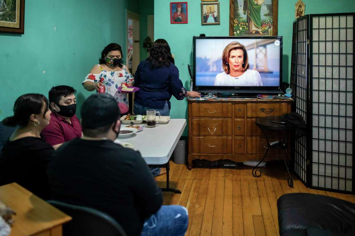 Only 25 percent of anchors in San Antonio are Latino, according to a recent study. The faces of local news should reflect our city's diversity, writes a former news anchor.