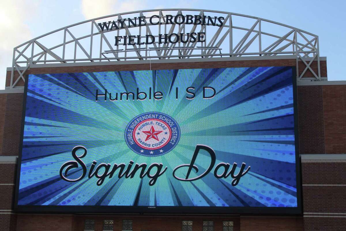 Humble ISD held a signing ceremony for over 100 student athletes at Turner Stadium to celebrate with friends, family and the community.